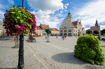 Galeria O gminie - Atrakcje turystyczne - Najciekawsze Zabytki - Rynek + Kawiarnia