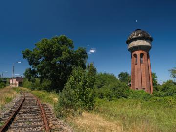 Galeria O gminie - Atrakcje turystyczne - Najciekawsze Zabytki - Tumba Grobowa + Skokowa Dworzec + Wieża Ciśnień