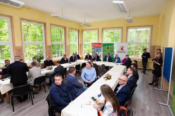 Galeria 7,8 mln zł na drogi wojewódzkie na terenie Gminy Prusice