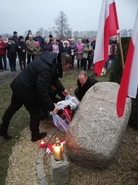 Galeria Uroczyste odsłonięcie pamiątkowego kamienia w Borówku
